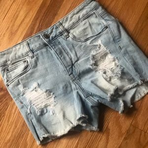 👖💕 *MOST OFFERS ACCEPTED* Denim Shorts!